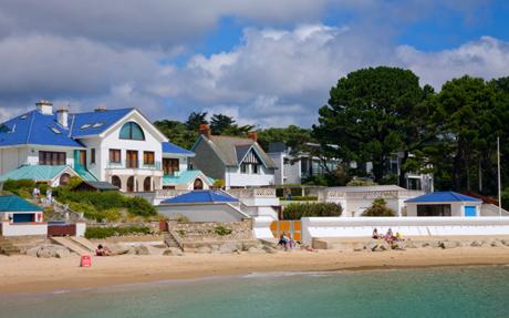 Rich Russians Lured To Britains Palm Beach