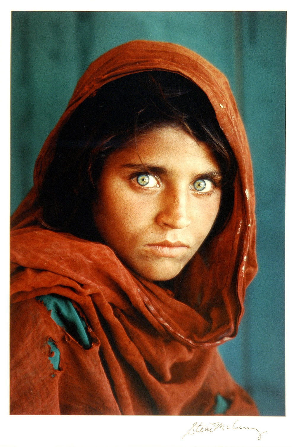 Sharbat Gula By Steve McCurry